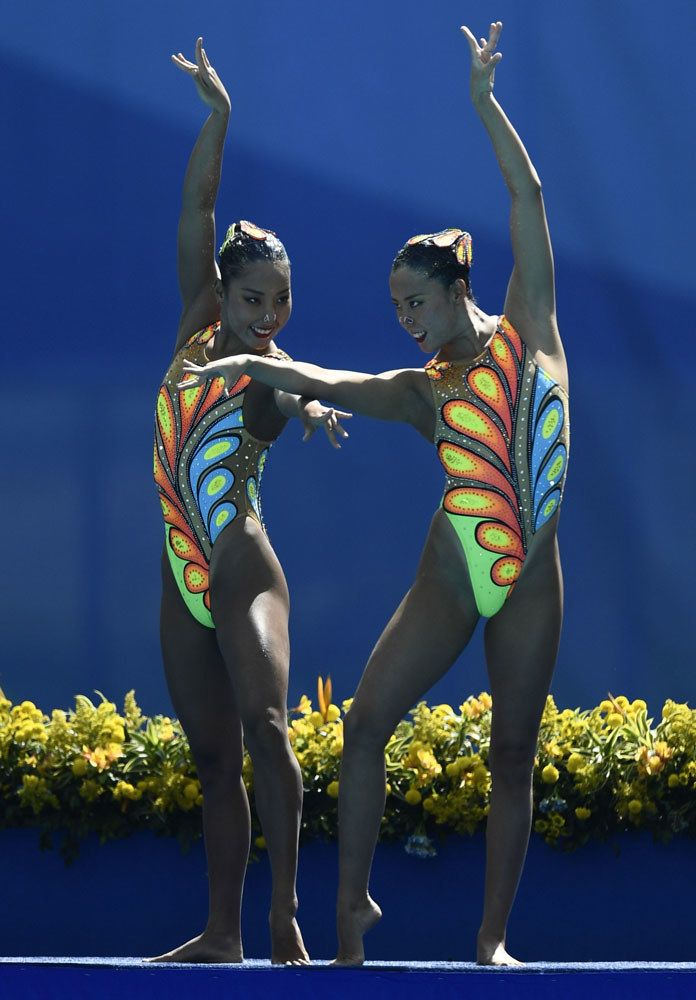 You've never seen style on this level before. | 21 Times Synchronized Swimming Felt More Like A Really Incredible Fashion Show