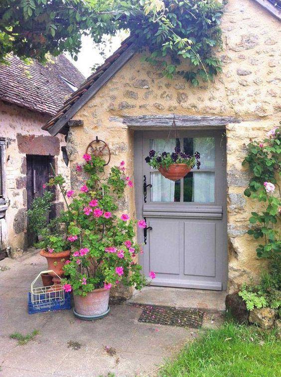 English Stone Cottage Cottage garten, Natursteinhäuschen