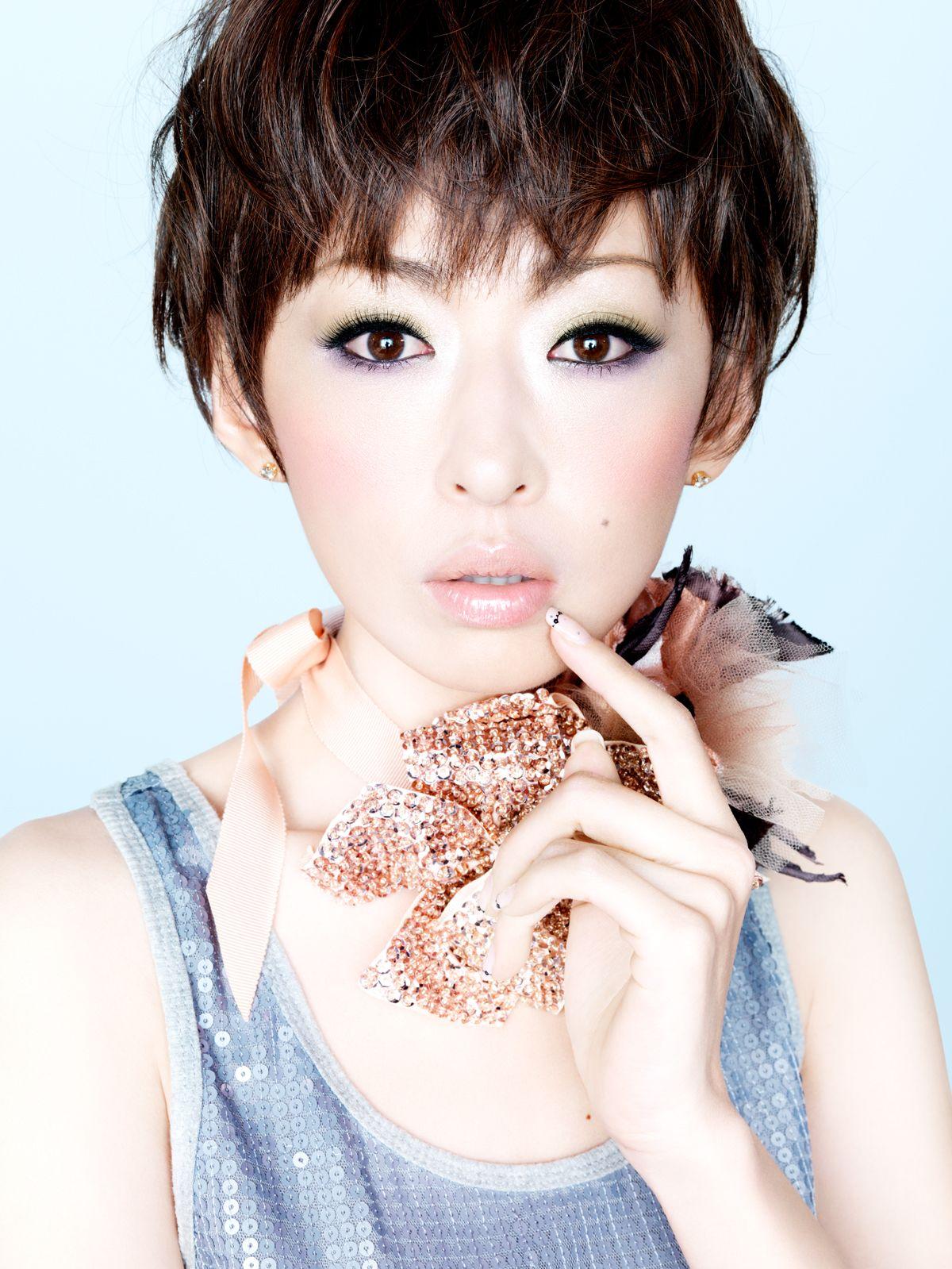 松雪泰子 - Matsuyuki Yasuko   松雪泰子, 松雪, 美人 アナウンサー