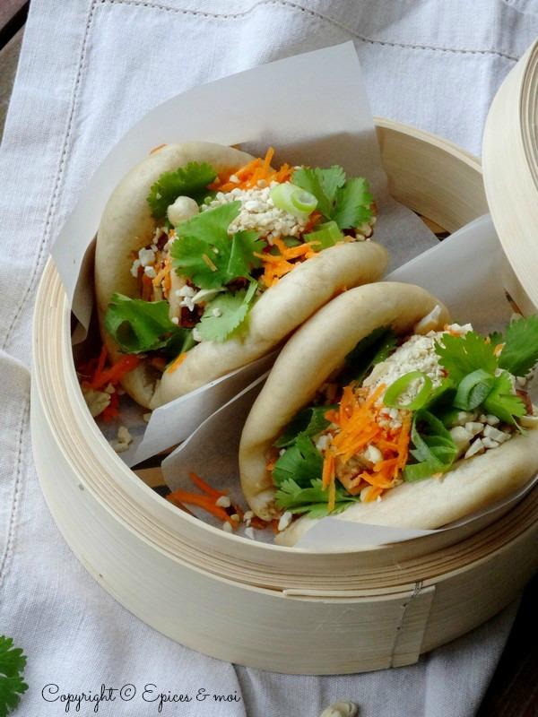 Gua bao garni de tofu à la citronnelle, coriandre et cajou ღ Foodista Challenge # 8 ღ - Épices & moi