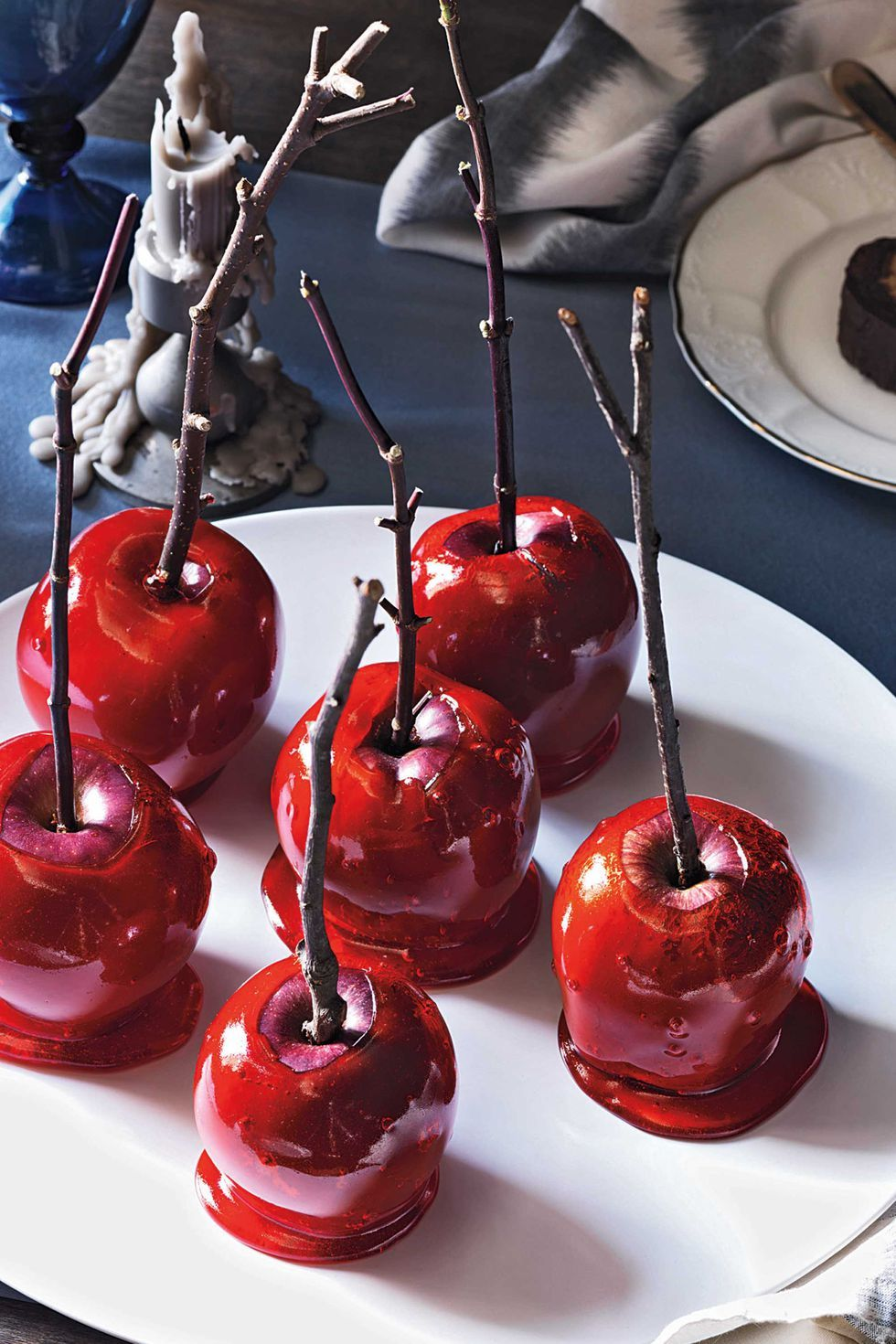 20 Delicious New Takes on Caramel Apples Halloween food