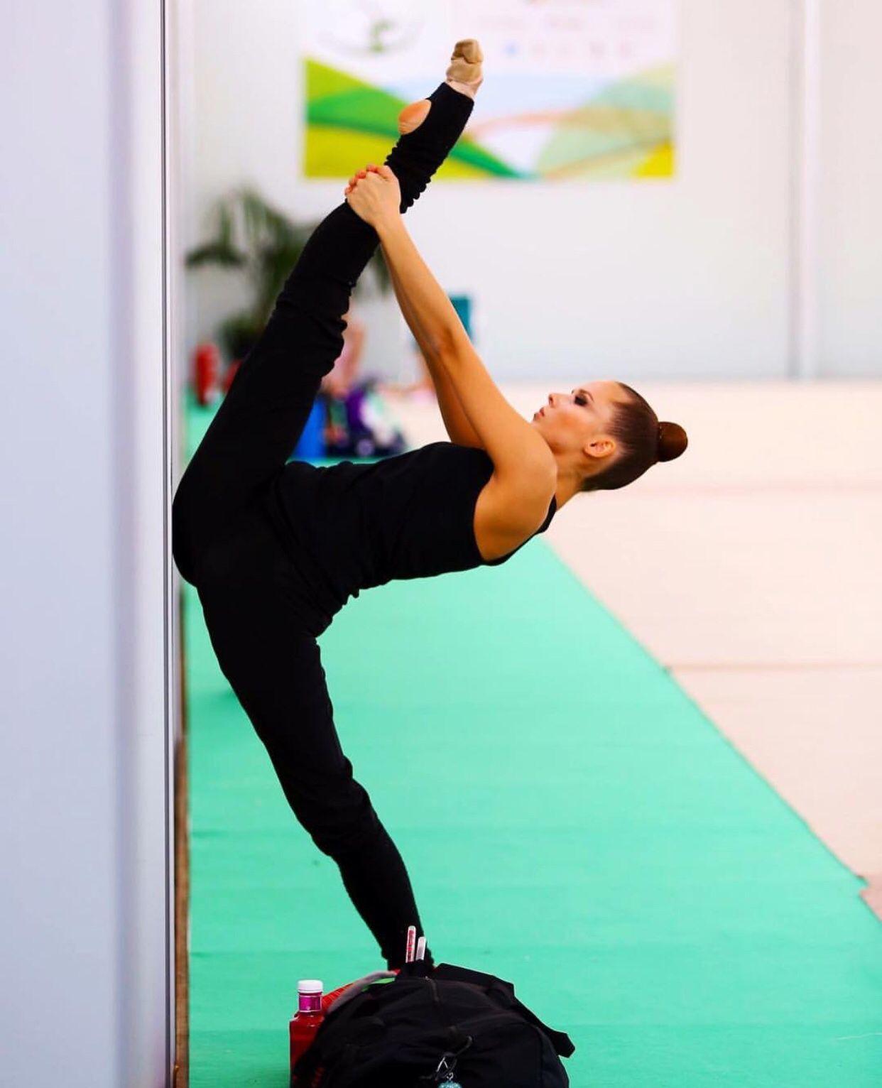 Pin By Yanxxkai On Elegance Dance Flexibility Stretches Acro Dance Gymnastics Poses