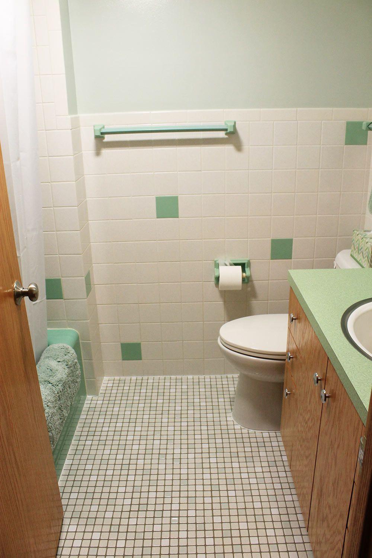 Retro Green Bathroom Green Bathroom Bathrooms Remodel Retro