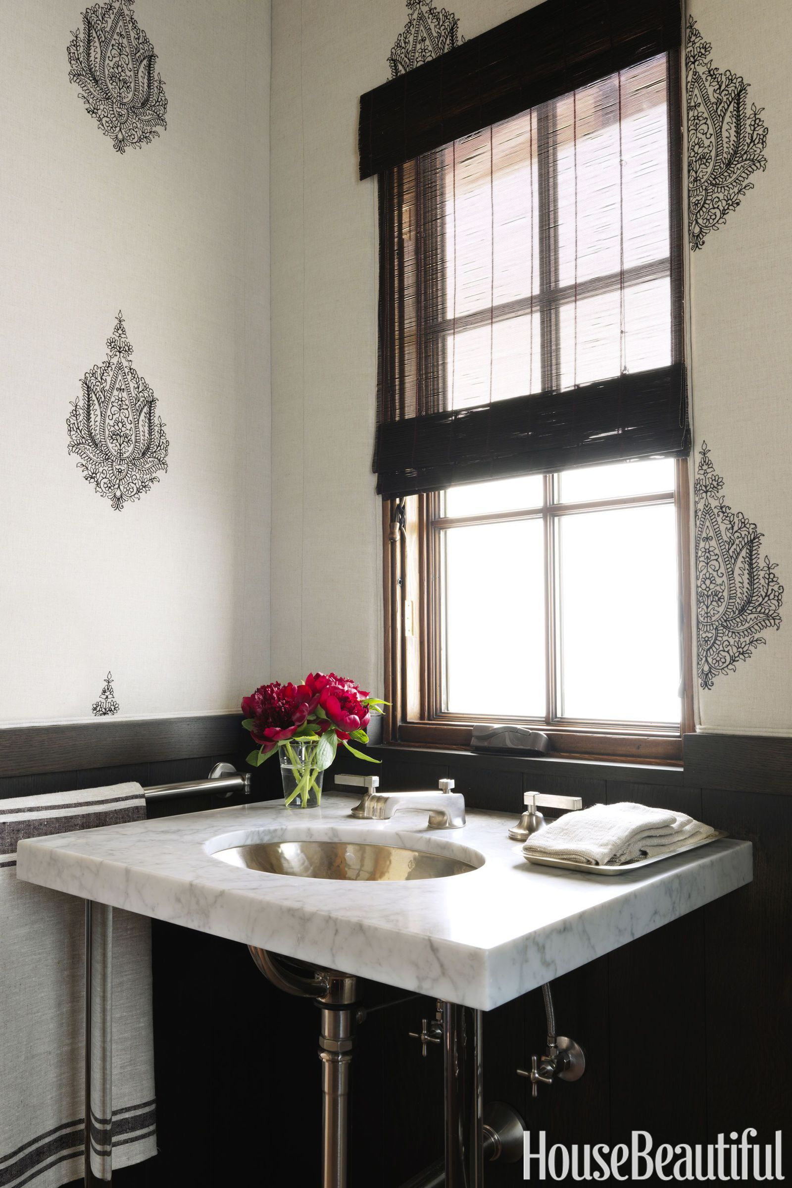 15 black and white bathrooms that feel fresh and luxurious powder rh pinterest nz