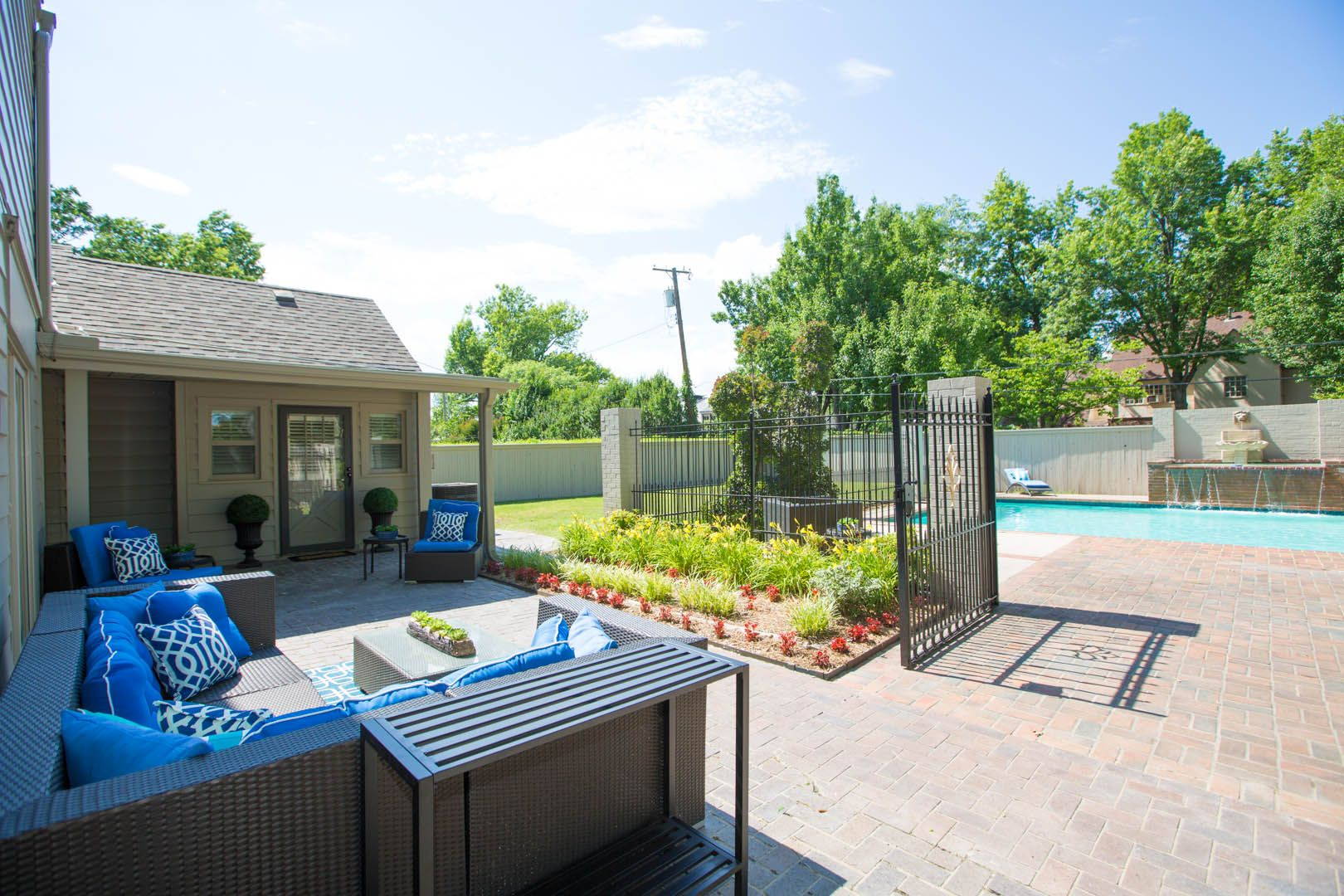 Outdoor Living- This Midtown Tulsa home was completely ... on Outdoor Living Companies Near Me id=73956