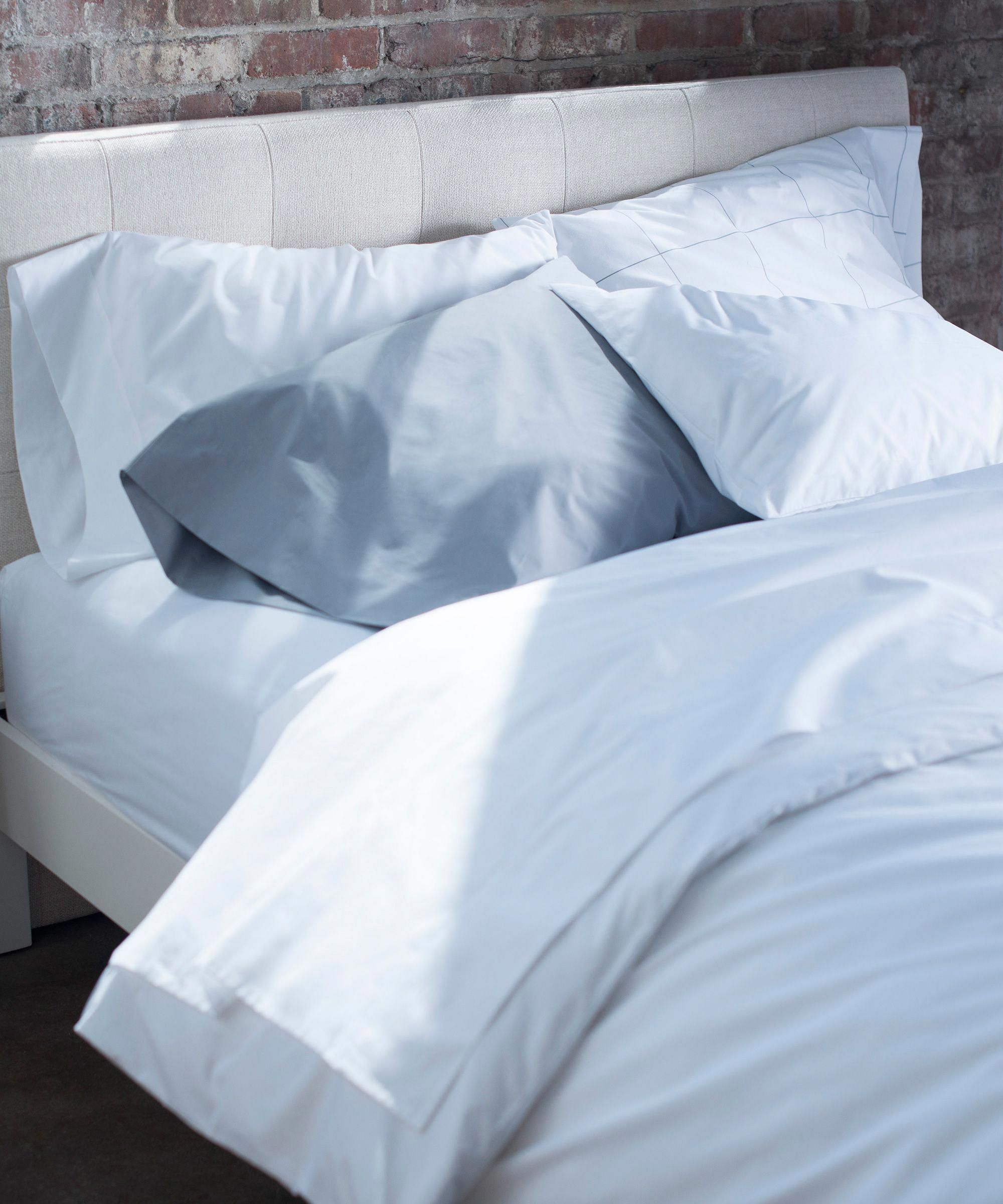 Is This The Most Comfortable Bedding Material Refinery29 Bedsheetskeepcomingoff