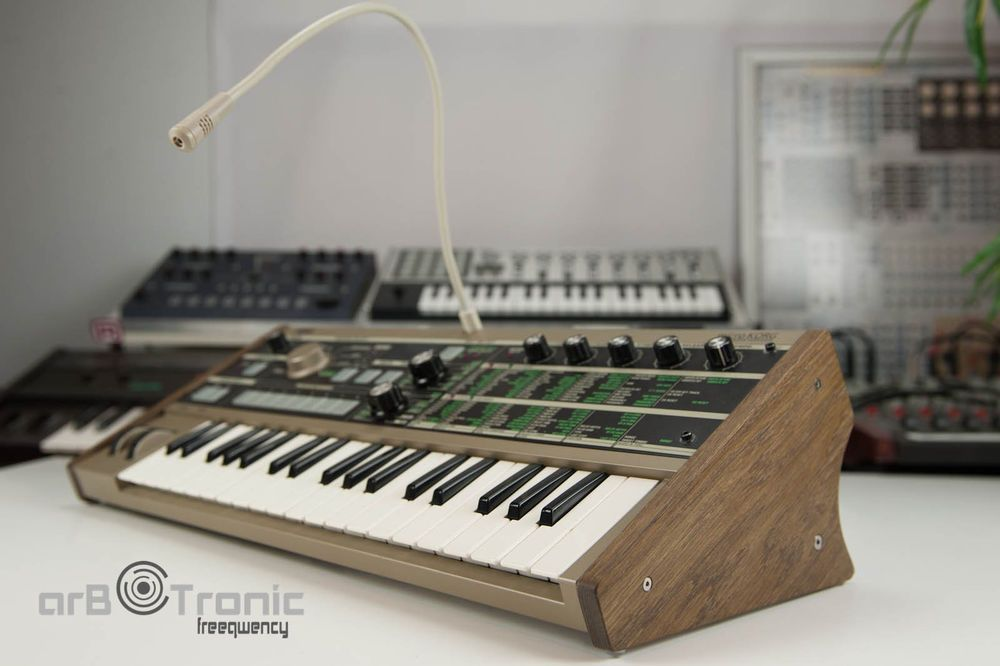 KORG MONOTRIBE SOLID OAK STAND FROM SYNTHS AND WOOD