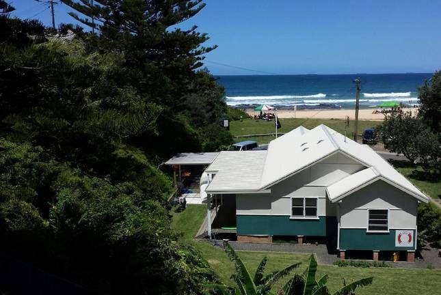 arriba beachfront cottage thirroul nsw accommodation places rh pinterest com