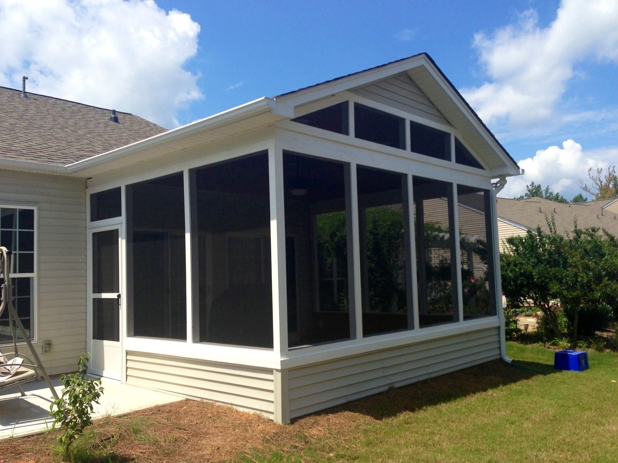 A gable roof screen porch on a slab in sun city lakes sc for Gable screened porch