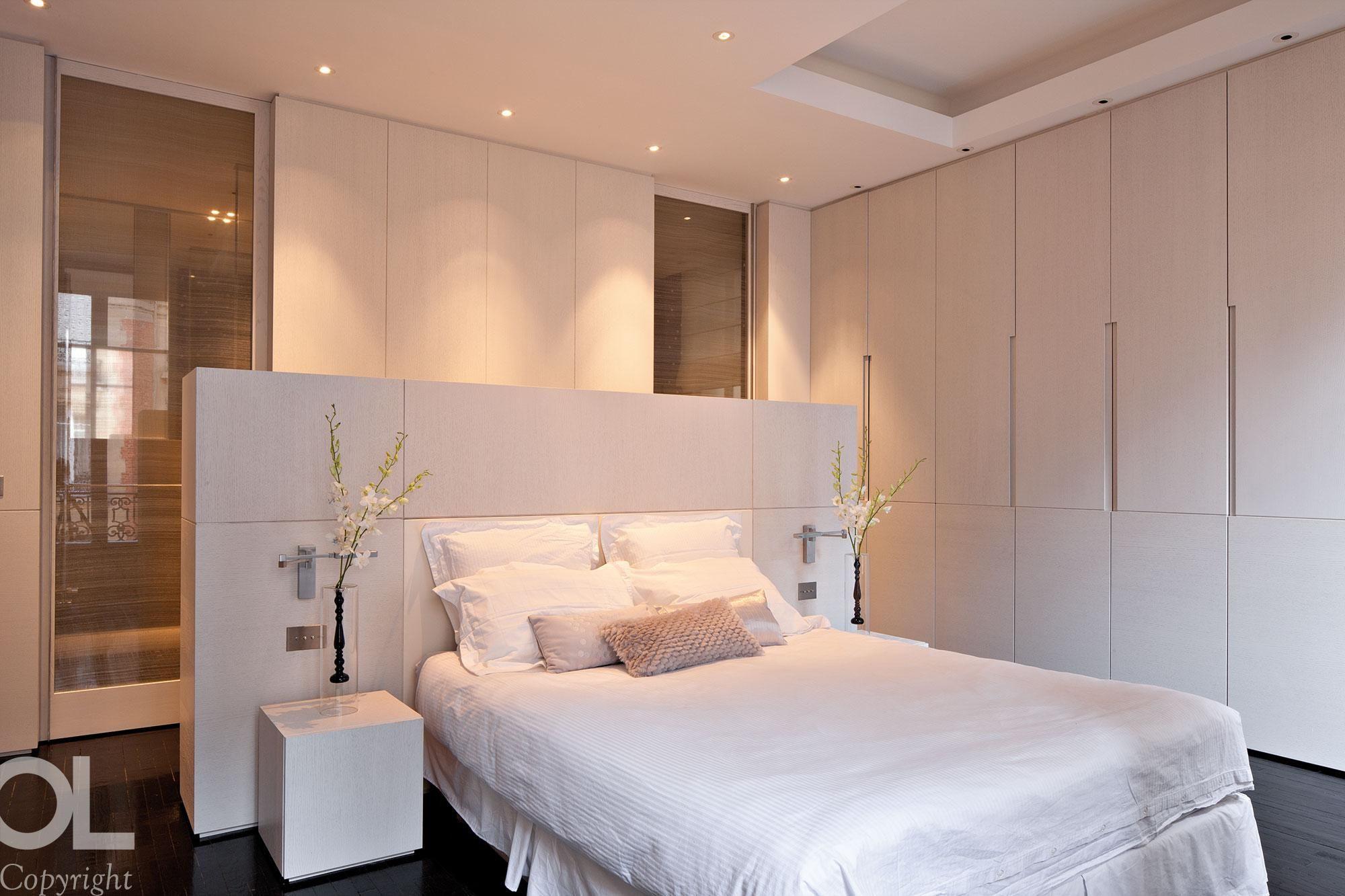 Loft bedroom with ensuite  Privé  Appartements   Appartement St Honoré Hélène et Olivier