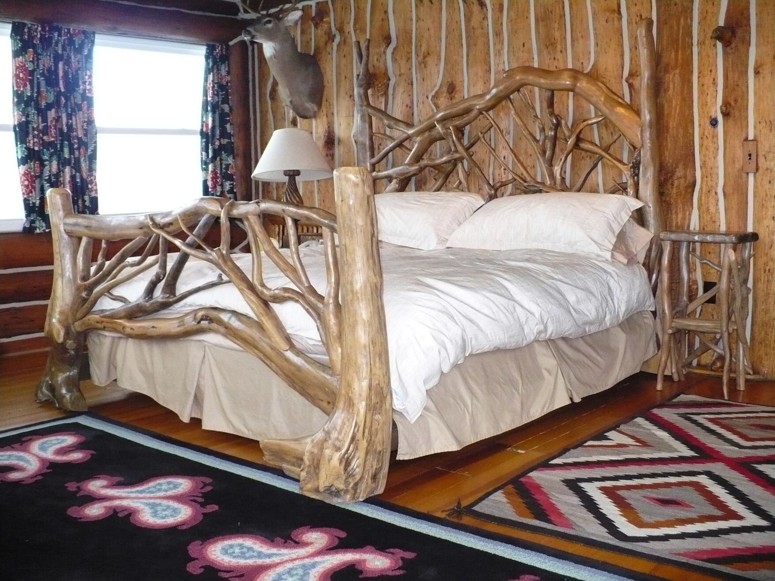 I LOVE this!!! | My Dream Home | Pinterest | Driftwood, Bed frames ...