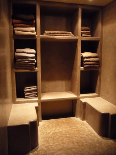 Who says cob homes can't have walk-in closets. :)