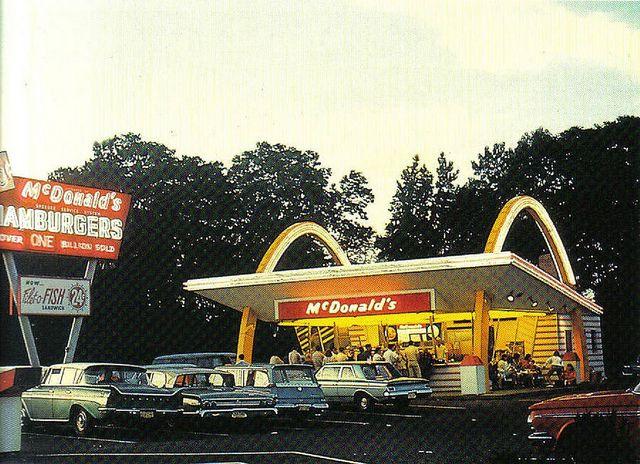 Vintage McDonald's | Mcdonalds, Googie, Googie architecture