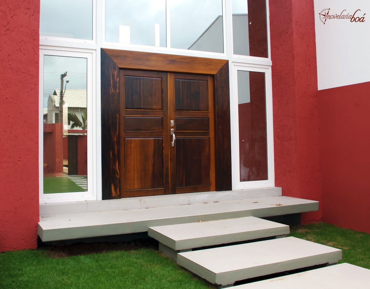 Porta 2,5 x 2,5 m em madeira maciça (imbuia). #door #wood #home #house #porta #movelaria boá