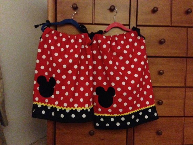 Minnie Mouse Pillowcase Dress Pattern & Minnie Mouse Pillowcase Dress Pattern   DIY pillow case dress ... pillowsntoast.com