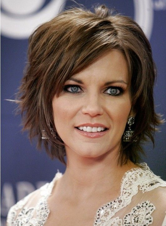 Short Layered Hairstyles With Bangs Cabelo Cabelo Repicado Cabelo Medio
