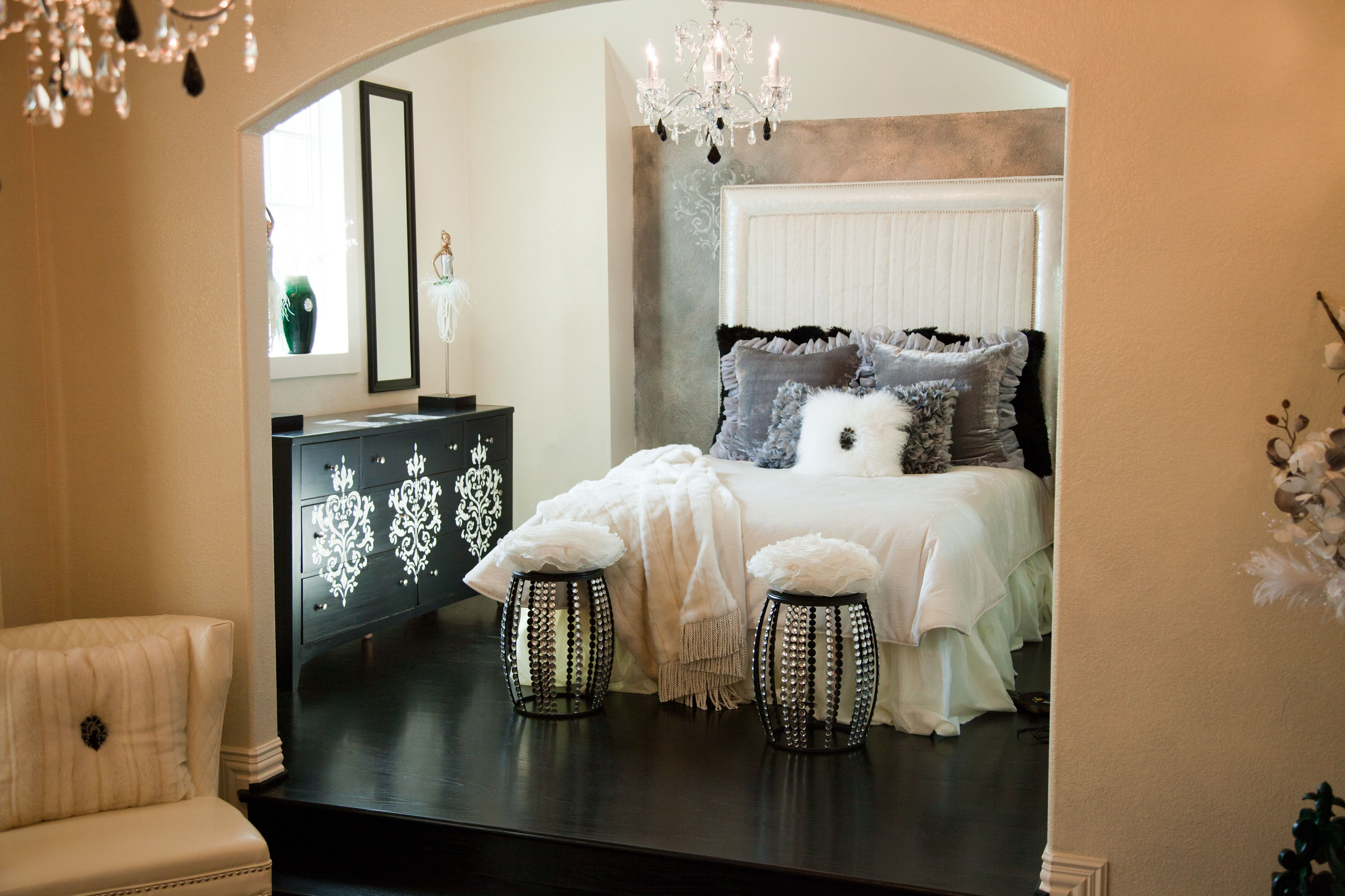 More of Ballerina Daniella's grown up room from HGTV's Donna Decorates Dallas.