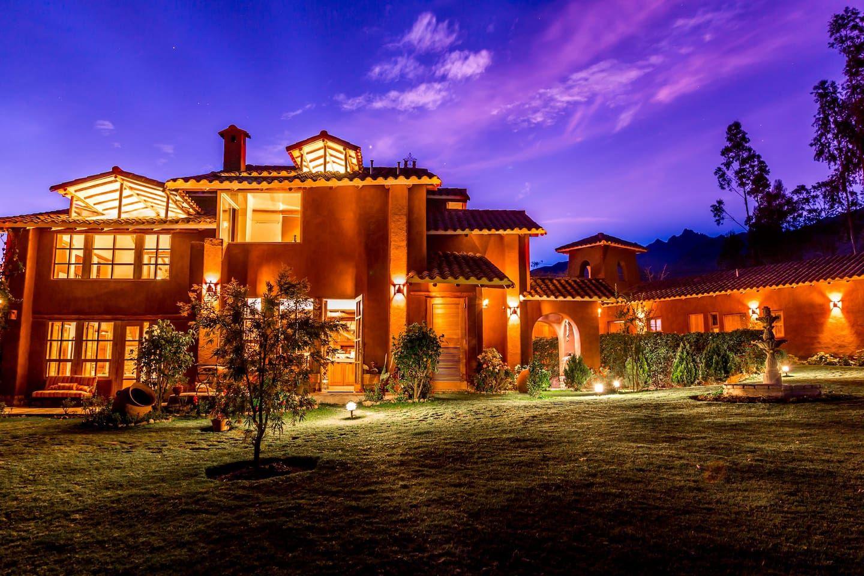 luxury villa tayta in urubamba sacred valley cusco villas for rent rh pinterest com