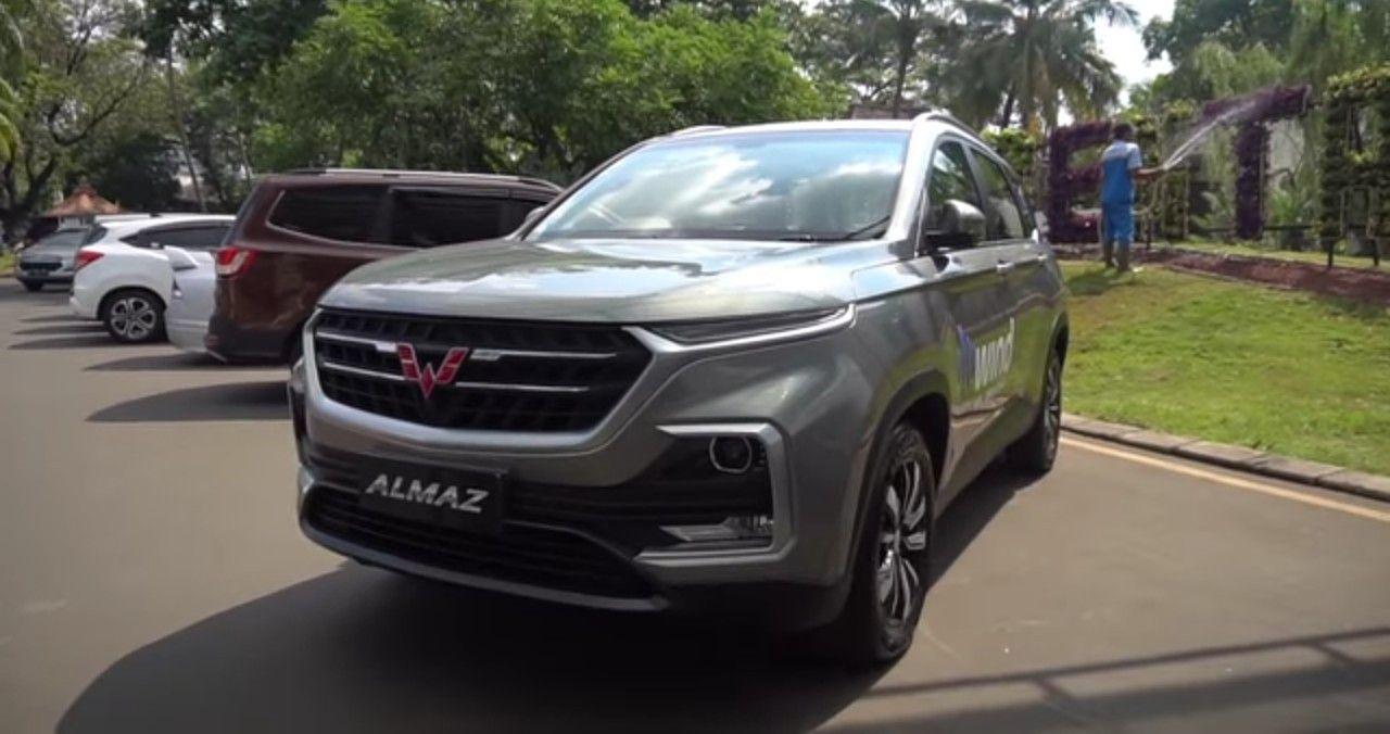 Wuling Almaz 7 Seater Mobil Mobil Baru