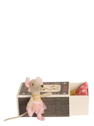 little sister mouse in box maileg mice toys tooth mouse baby rh pinterest com