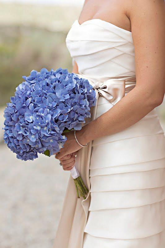 Hortenzia Csokor 3 Things In 2019 Wedding Wedding Flowers