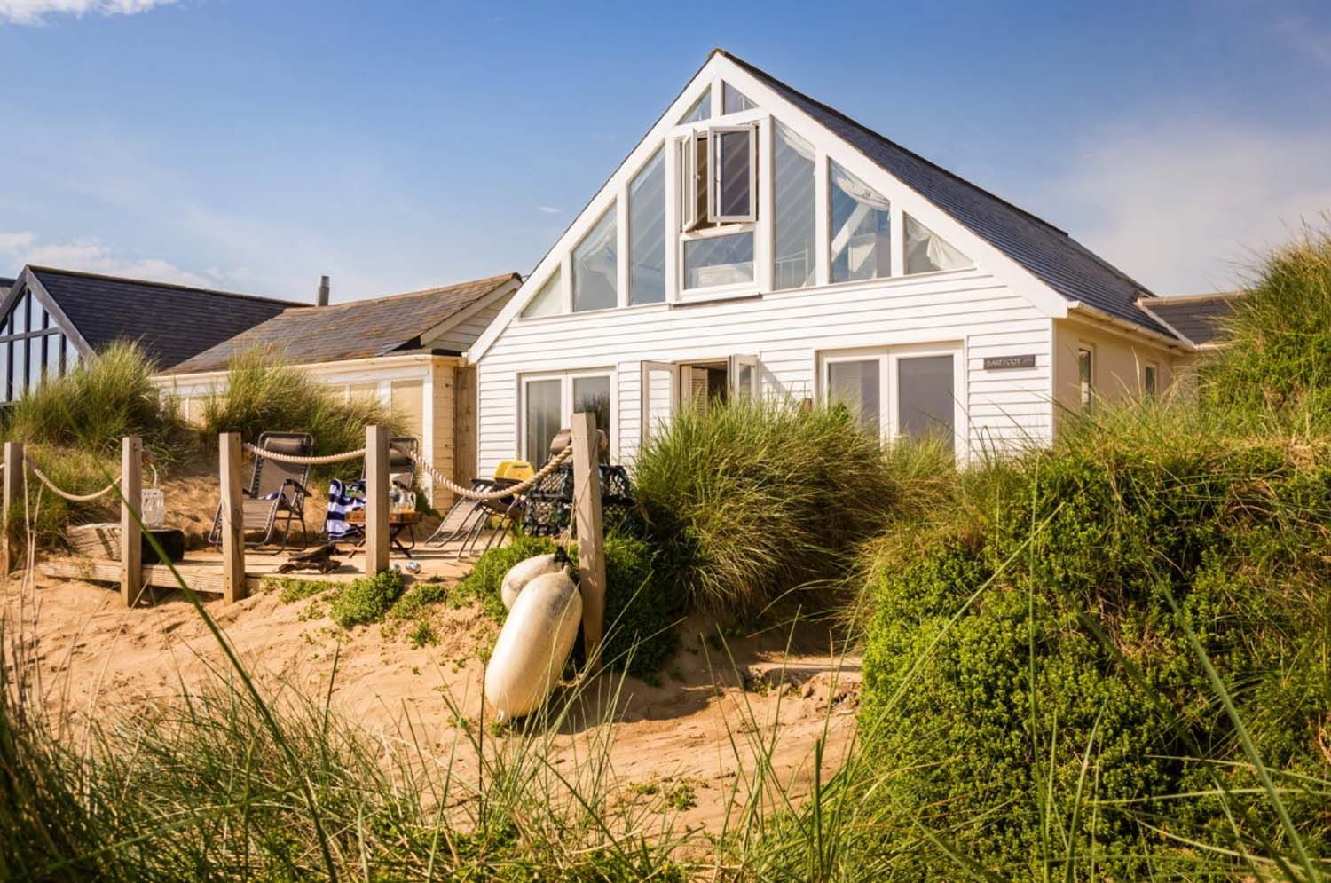 a perfect seaside holiday in east sussex barefoot beach house rh pinterest com