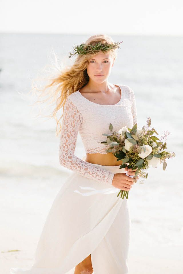 cool wedding shot ideas%0A Beautiful bohemian bridal look photo by Shannon Kirsten Photography via   burnettsboards