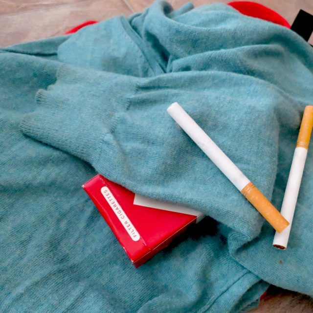 how to get the smell of cigarette smoke out of clothing how to smoke smell smoke out. Black Bedroom Furniture Sets. Home Design Ideas