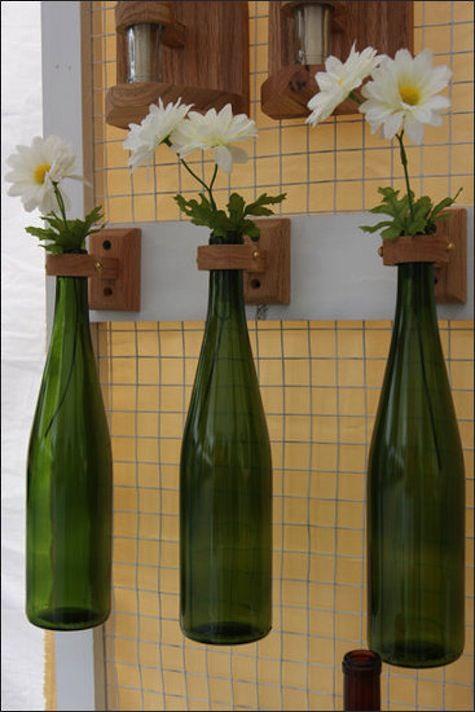 diy deko im garten 51 upcycling ideen flaschen vasen und weinflaschen. Black Bedroom Furniture Sets. Home Design Ideas
