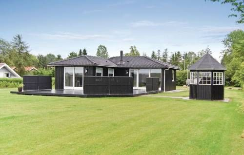 Holiday home S�knudevej Denm Ansager Holiday home S?knudevej Denm is located in Ansager and offers free Wi-Fi access and a lake view.