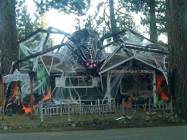 12 epic halloween home decorations halloween 5 outdoor halloween rh pinterest com