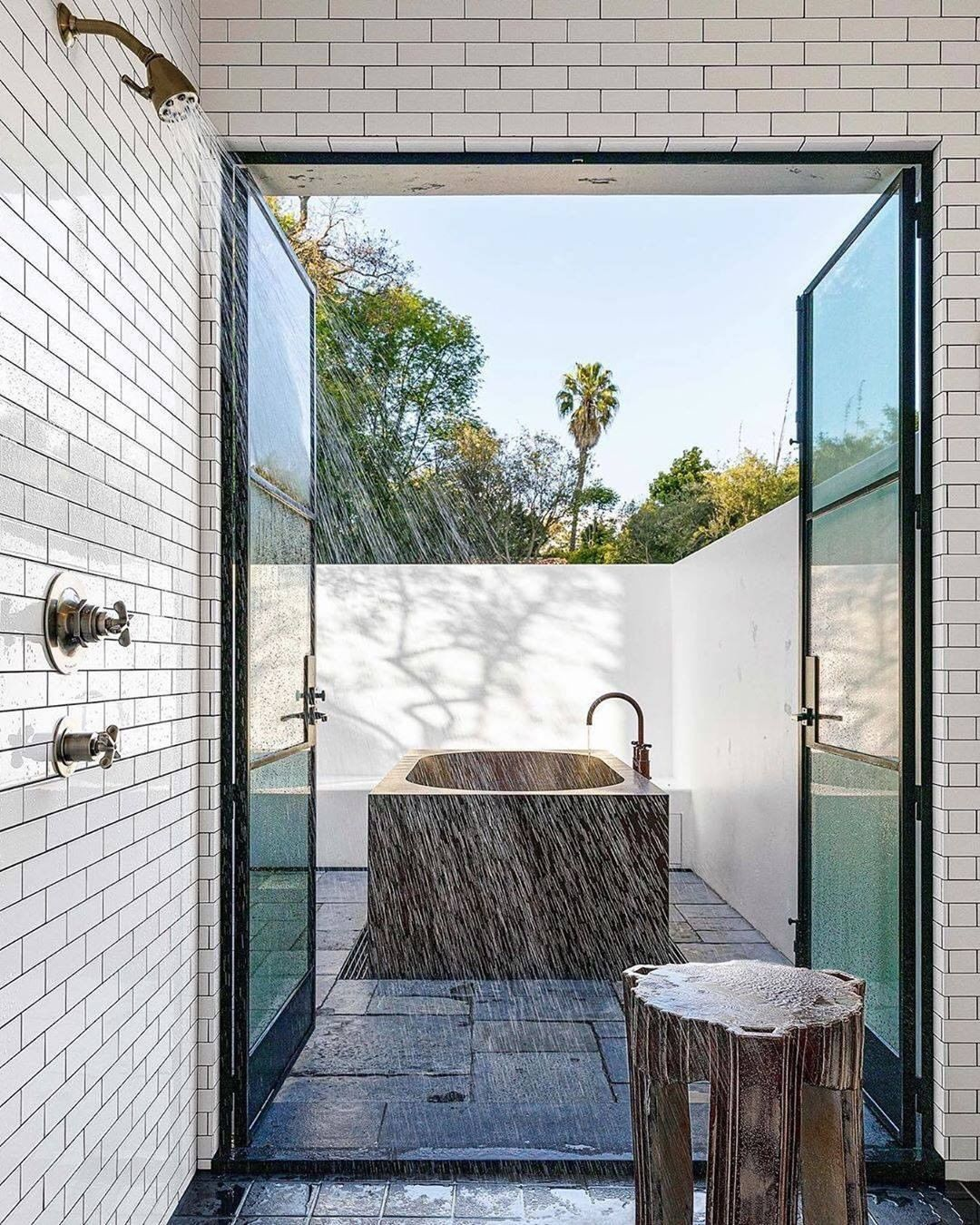 Bathroom With A View 7 Captivating Designs In 2020 Gorgeous Bathroom Designs La Houses Architectural Digest