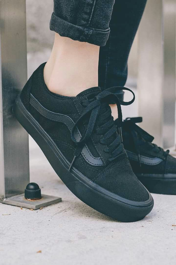 86f900cd6a All black vans old school is ❤