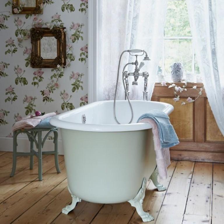 15 Gorgeous Bathroom Wallpaper Design Ideas Country Bathroom Vintage Bathrooms Cottage Bathroom