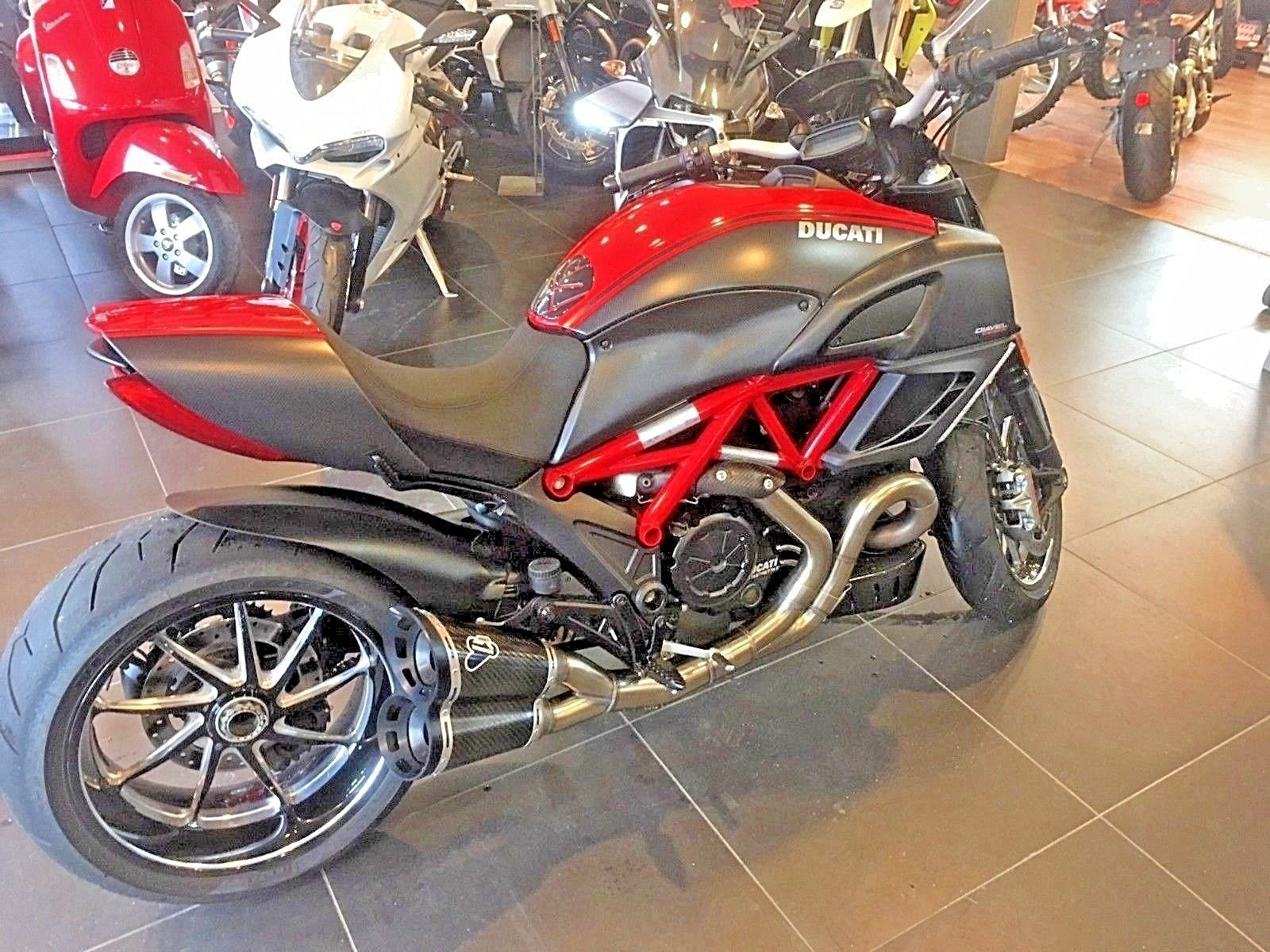 2013 Ducati Diavel Carbon Red In 2018 Stuff For Sale Pinterest