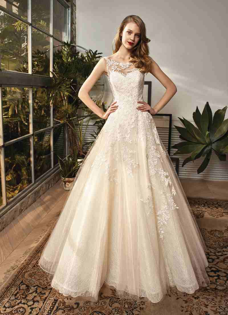 crusz Brautkleider  Kleid hochzeit, Brautkleid gebraucht, Schöne