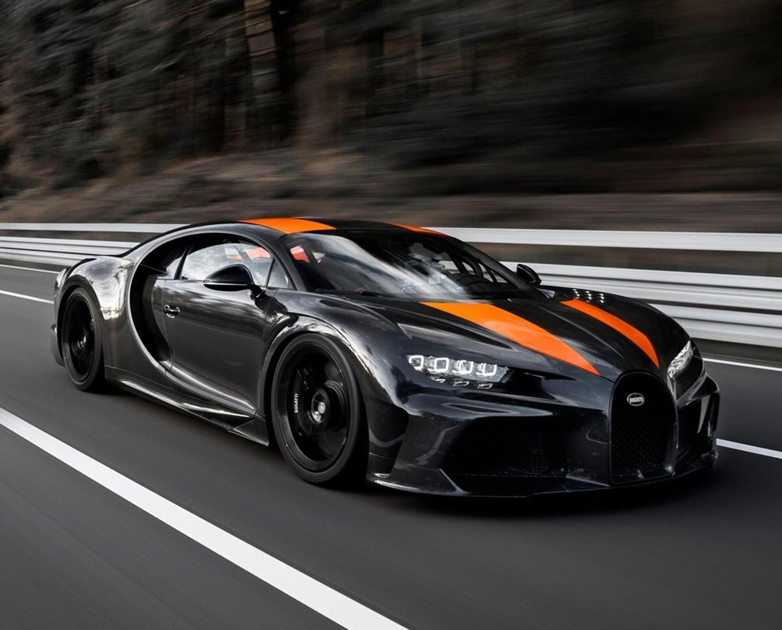 Bugatti Chiron S Unique Feature Isn T Going Anywhere 16 Cylinders Is What Makes It A Future Collectible In 2020 Bugatti Chiron Super Cars New Bugatti Chiron