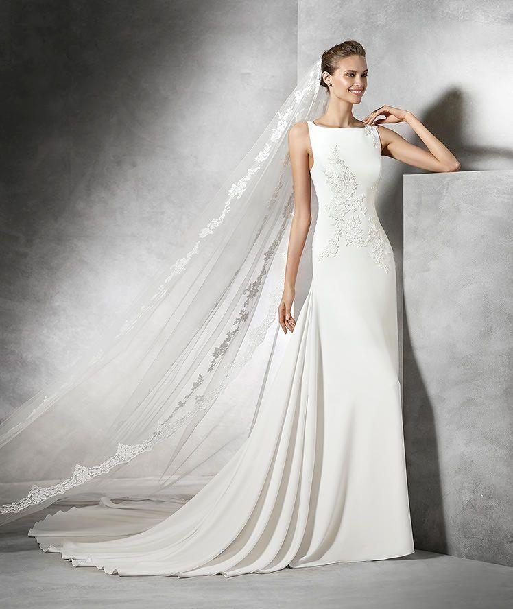 tori, vestido de novia original con escote barco   vanessa