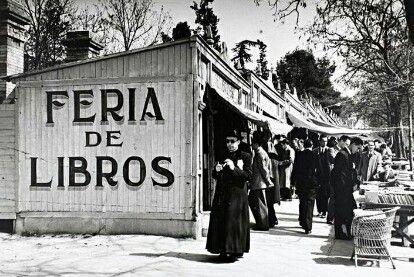 Cuesta de Mollano. Feria del libro. Madrid