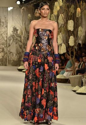 Rohit Bal. DCW 11'. Indian Couture.