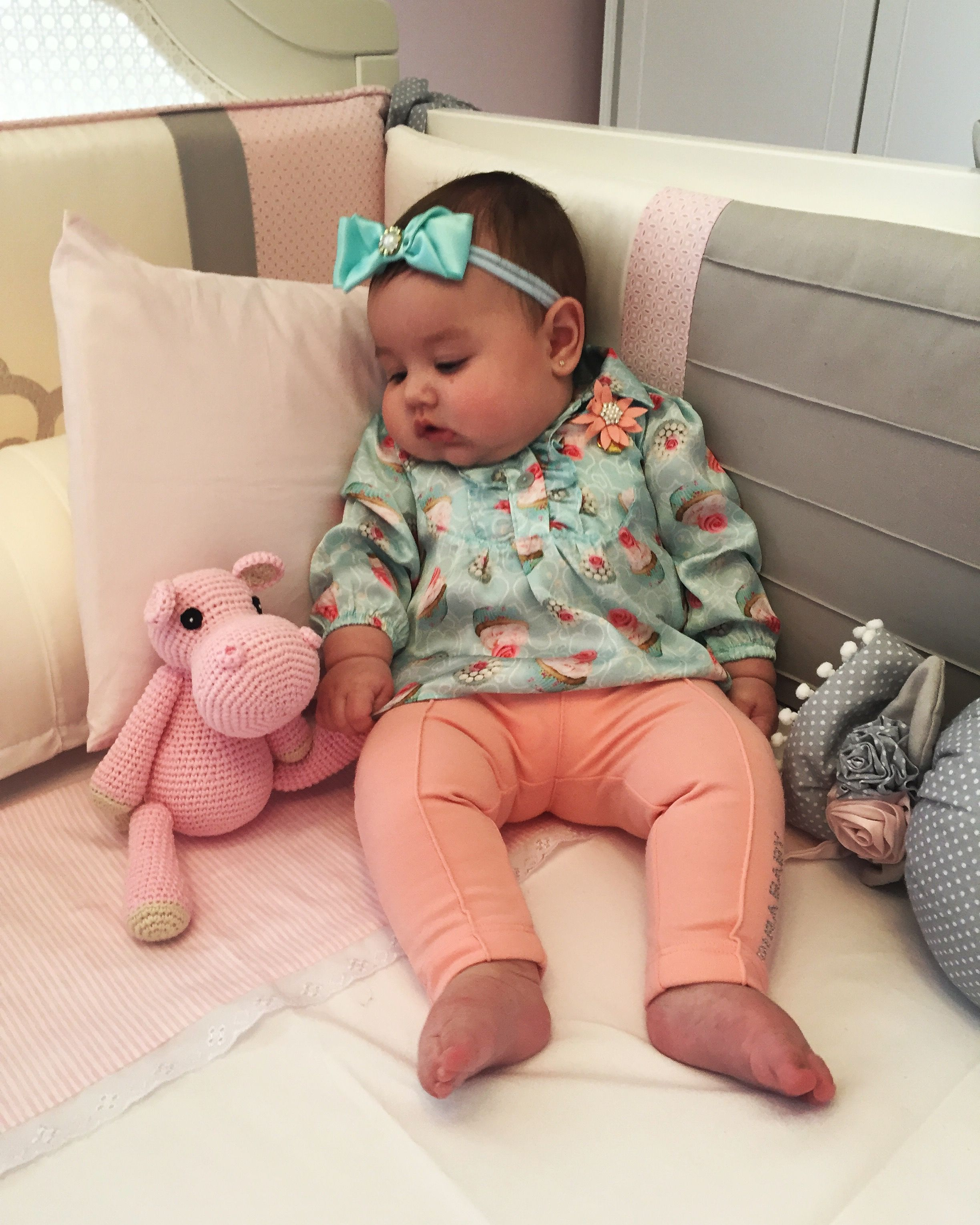 Linda da mamãe com seu pink hipopótamo!!