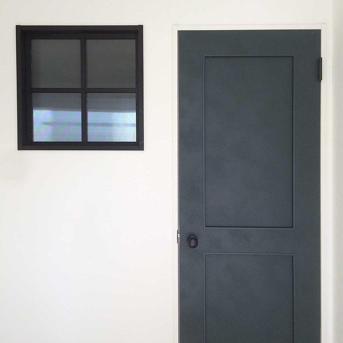 シンプルかつお洒落に 明かり窓に エストラド を使用した事例 茨城