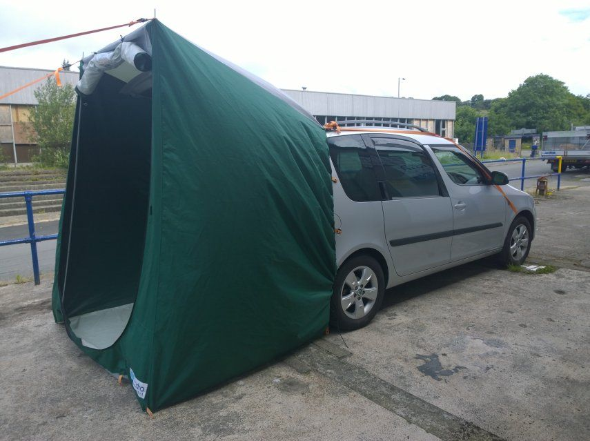 skoda roomster rv mini camper with an amdro boot tent. Black Bedroom Furniture Sets. Home Design Ideas