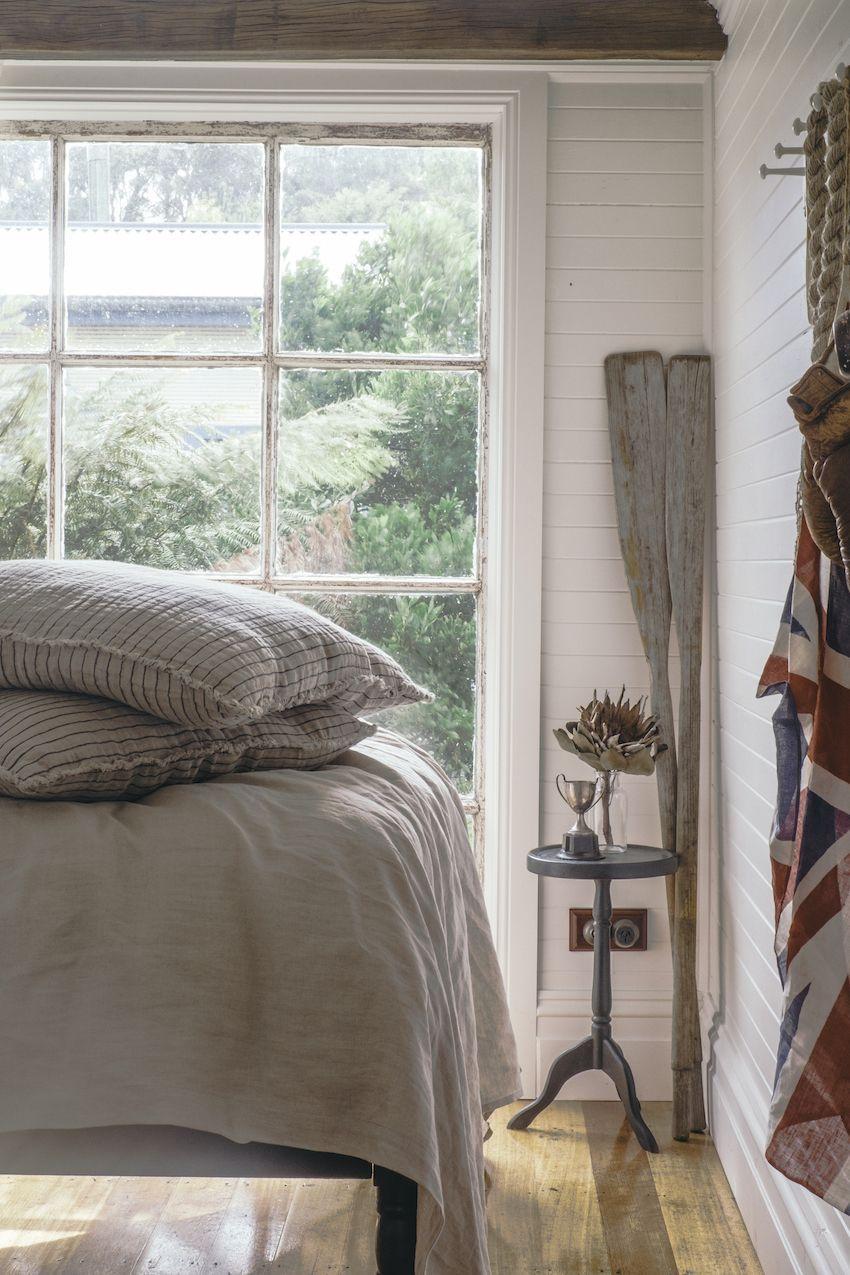 A vintage dining bedroom design to last