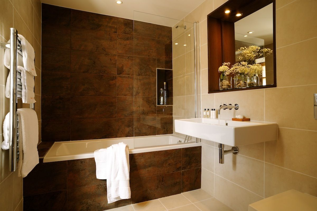 En suite Bathroom design En suite Bathroom design
