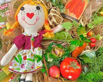Scarecrow Wreath Tutorial, scarecrow wreath DIY, how to make a decomesh wreath, how to make a scarec #scarecrowwreath