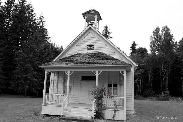 old schoolhouse old fashioned rose old school houses churches rh pinterest com