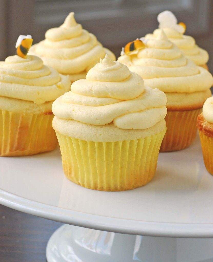 Yellow Buttermilk Cupcakes Blissfully Delicious Buttermilk Cupcakes Cupcake Recipes Yellow Cupcakes Recipe