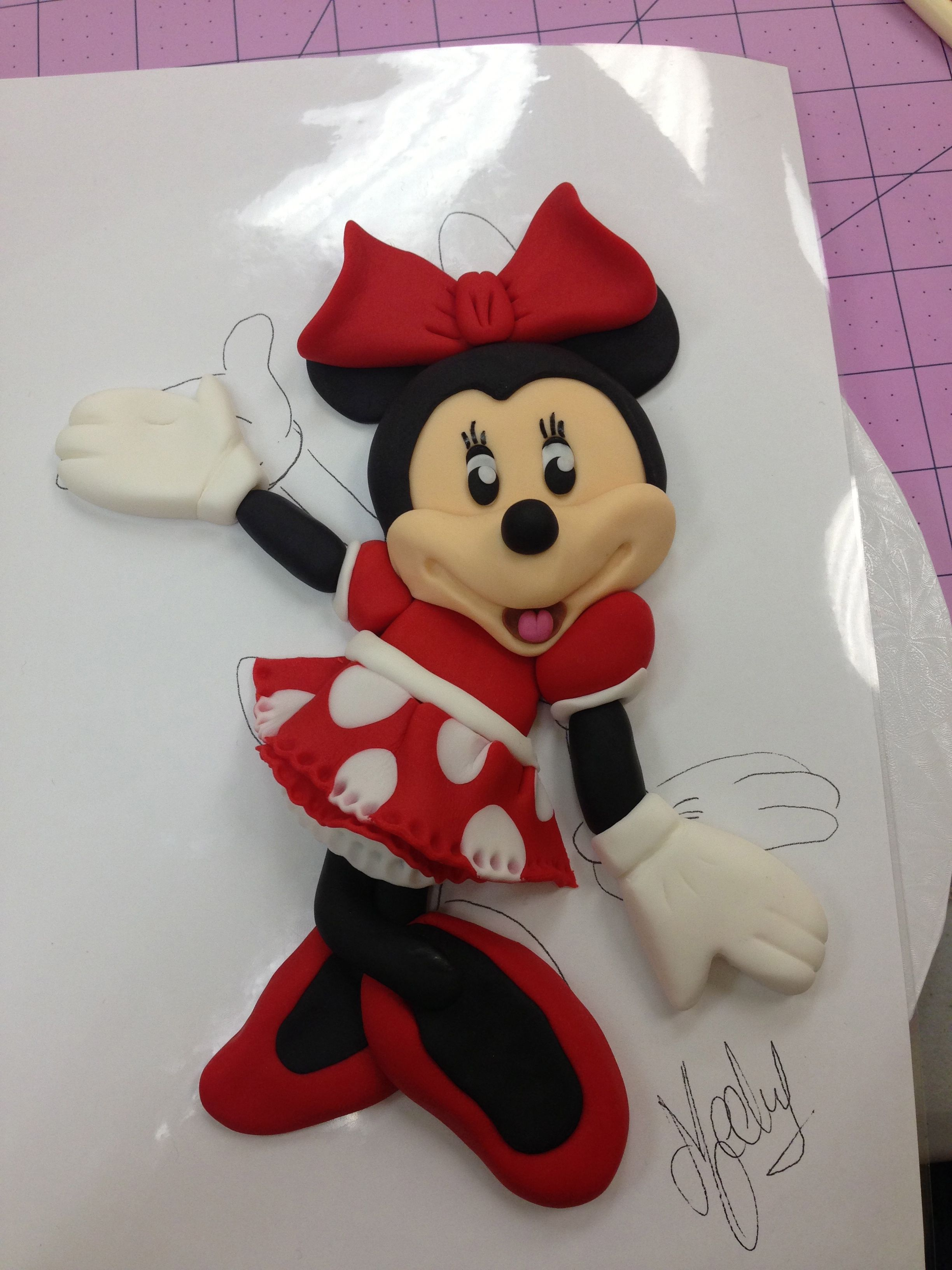 Bidimensional Minnie... Mechy Class!!! - Finally I could assist to this class with Mechy from Venezuela. She is an amazing cake decorator, if you want to know more about her go to cakebymechy.com.  The class was held in Hollywood, Fl. I love how it turned out. TFL