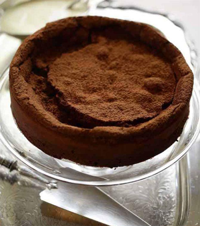 Gu00e2teau au chocolat sans farine sans beurre   Recette ...